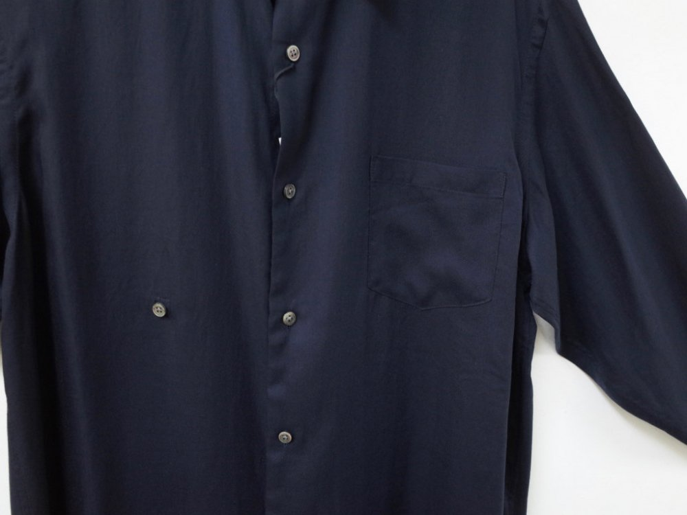 <img class='new_mark_img1' src='https://img.shop-pro.jp/img/new/icons20.gif' style='border:none;display:inline;margin:0px;padding:0px;width:auto;' />THEE drape double one button shirts ドレープ ダブルボタン シャツ RV-SH-03