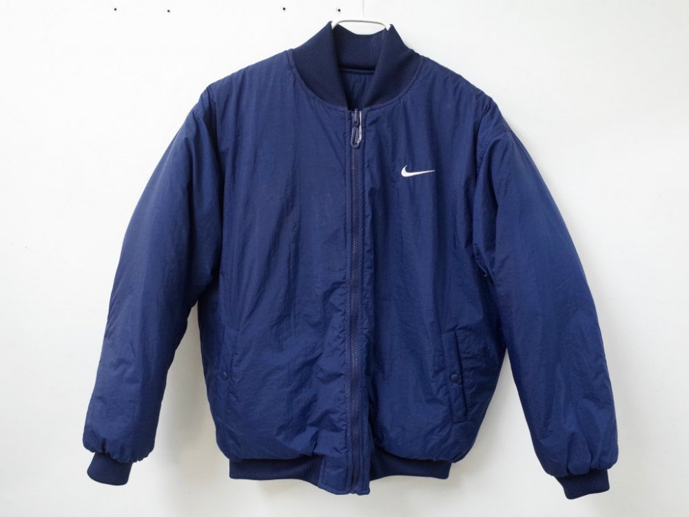 <img class='new_mark_img1' src='//img.shop-pro.jp/img/new/icons20.gif' style='border:none;display:inline;margin:0px;padding:0px;width:auto;' />VINTAGE 90's NIKE  ナイキ 中綿入り ロゴ リバーシブルブルゾン USED