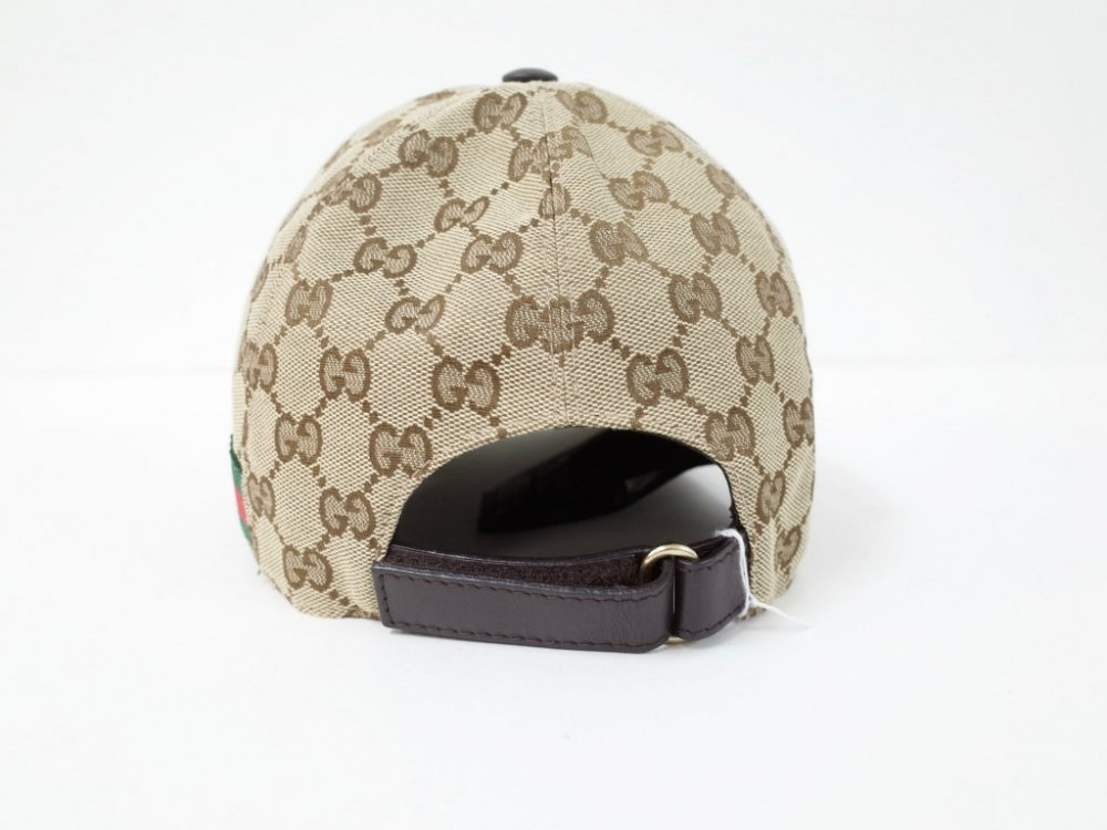 <img class='new_mark_img1' src='//img.shop-pro.jp/img/new/icons15.gif' style='border:none;display:inline;margin:0px;padding:0px;width:auto;' />GUCCI グッチ  シグネイチャー柄 キャップ MADE IN ITALY USED