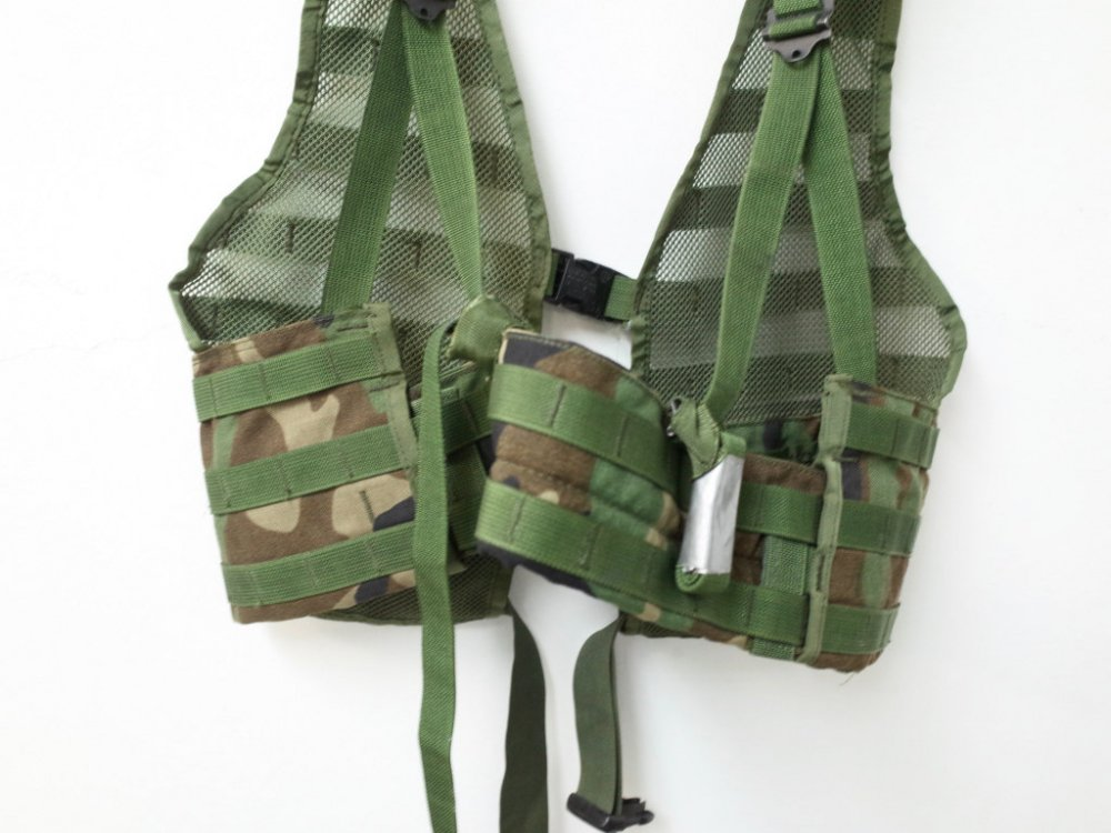 U.S.ARMY MOLLE II FIGHTING LOAD CARRIER  ミリタリーベスト USED