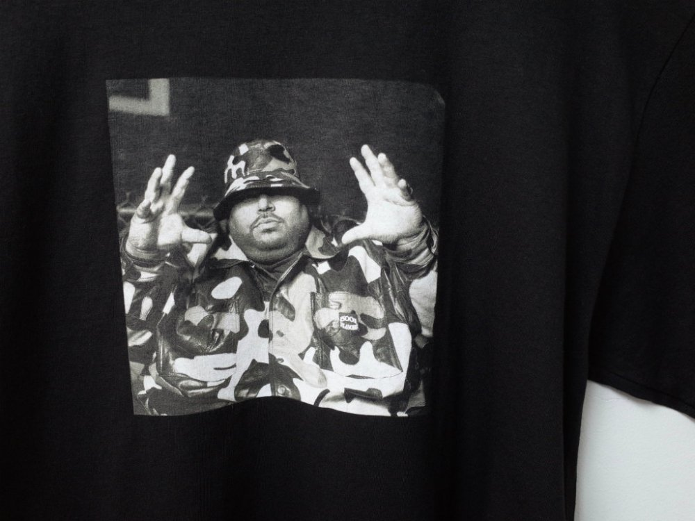 <img class='new_mark_img1' src='//img.shop-pro.jp/img/new/icons15.gif' style='border:none;display:inline;margin:0px;padding:0px;width:auto;' />PLEASURES x BIG PUNISHER CHRISTOPHER Tシャツ black