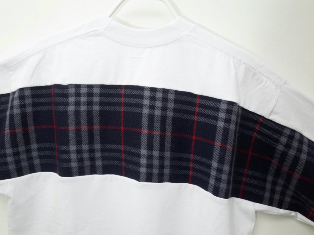 <img class='new_mark_img1' src='//img.shop-pro.jp/img/new/icons15.gif' style='border:none;display:inline;margin:0px;padding:0px;width:auto;' />SOTA JAPAN × SEW UP REMAKE BURBERRYS TEE white XLサイズ