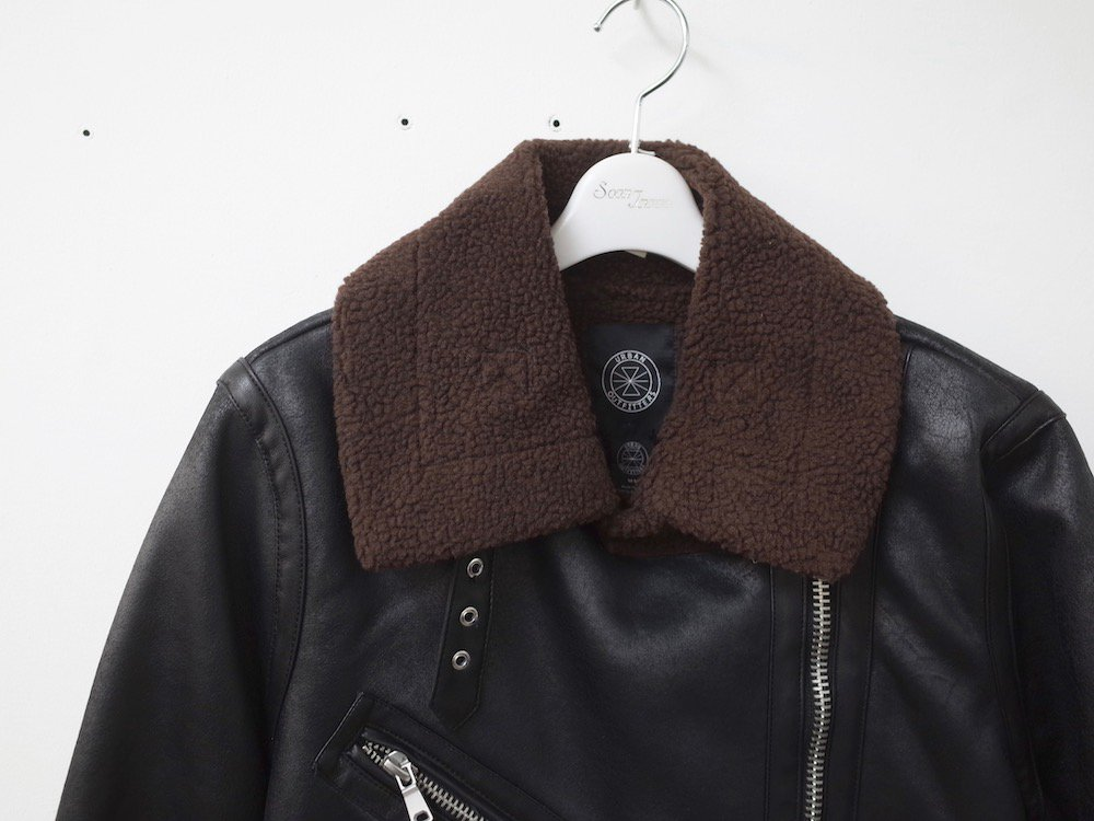 <img class='new_mark_img1' src='https://img.shop-pro.jp/img/new/icons20.gif' style='border:none;display:inline;margin:0px;padding:0px;width:auto;' />UO  Oversized Faux Leather  ライダースジャケット black