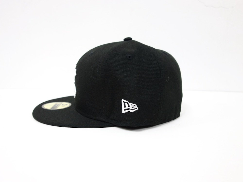 <img class='new_mark_img1' src='//img.shop-pro.jp/img/new/icons15.gif' style='border:none;display:inline;margin:0px;padding:0px;width:auto;' />BORN X RAISED BXR NEW ERA FITTED CAP キャップ