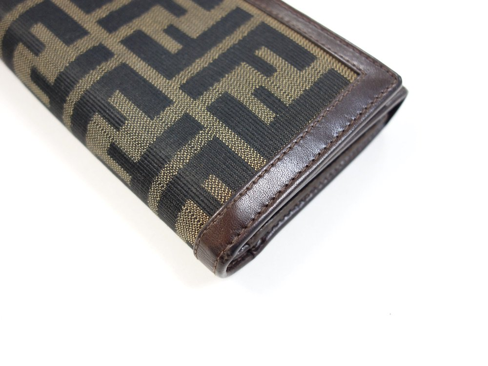 FENDI フェンディ ズッカ柄 三つ折り財布 イタリア製 USED