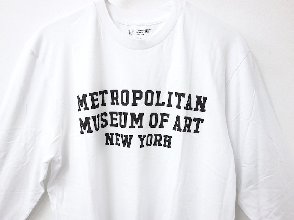 <img class='new_mark_img1' src='https://img.shop-pro.jp/img/new/icons15.gif' style='border:none;display:inline;margin:0px;padding:0px;width:auto;' />訳あり THE MET  LOGO L/S Tシャツ
