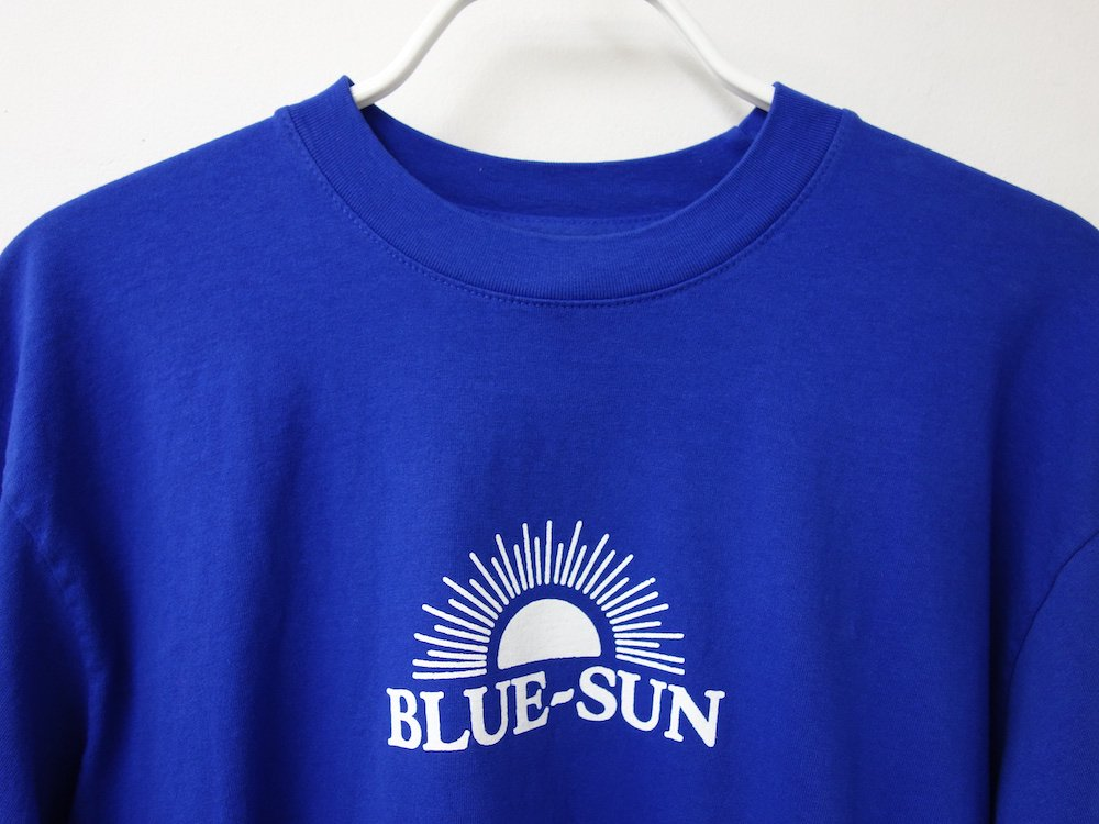 <img class='new_mark_img1' src='https://img.shop-pro.jp/img/new/icons15.gif' style='border:none;display:inline;margin:0px;padding:0px;width:auto;' />BLUE-SUN LOGO L/S Tシャツ USA製 royal