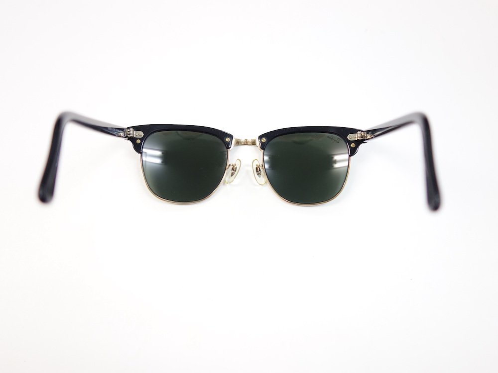 <img class='new_mark_img1' src='https://img.shop-pro.jp/img/new/icons15.gif' style='border:none;display:inline;margin:0px;padding:0px;width:auto;' />VINTAGE RAY-BAN BAUSCH&LOMB社製 CLUBMASTER サングラス MADE IN USA USED
