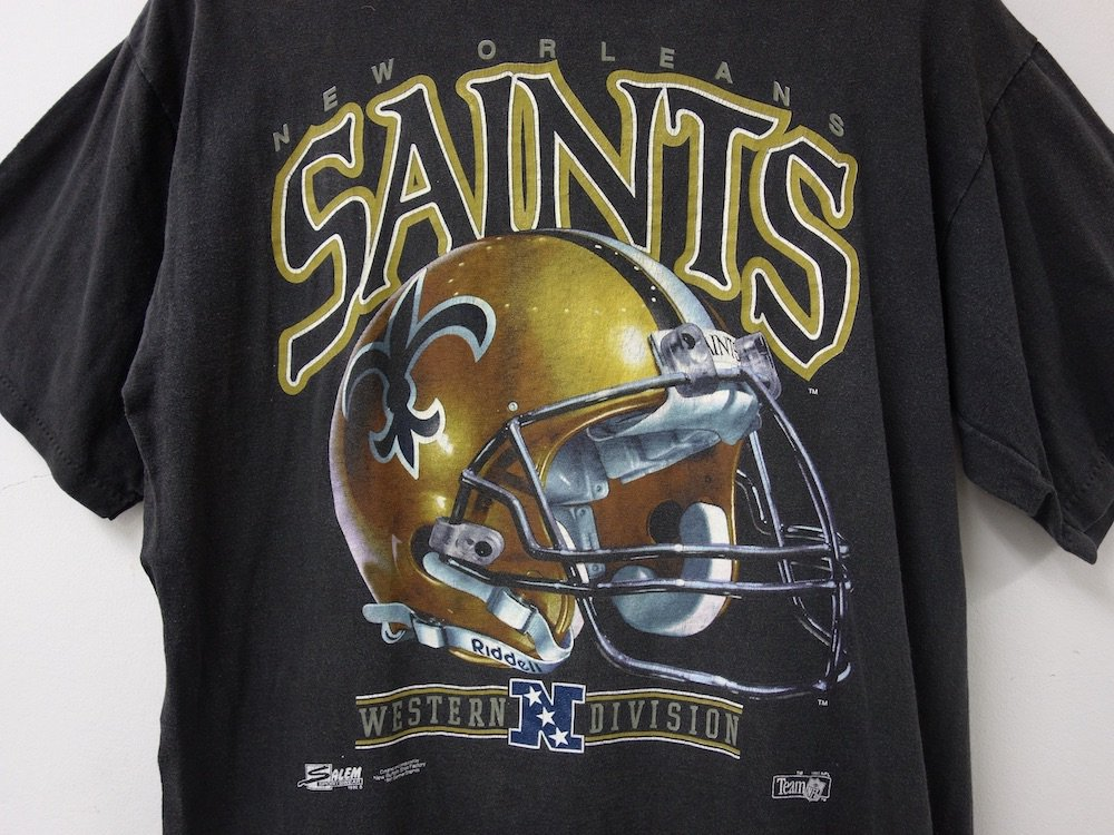 <img class='new_mark_img1' src='https://img.shop-pro.jp/img/new/icons15.gif' style='border:none;display:inline;margin:0px;padding:0px;width:auto;' />NFL New Orleans Saints フットボールTシャツ USA製 USED
