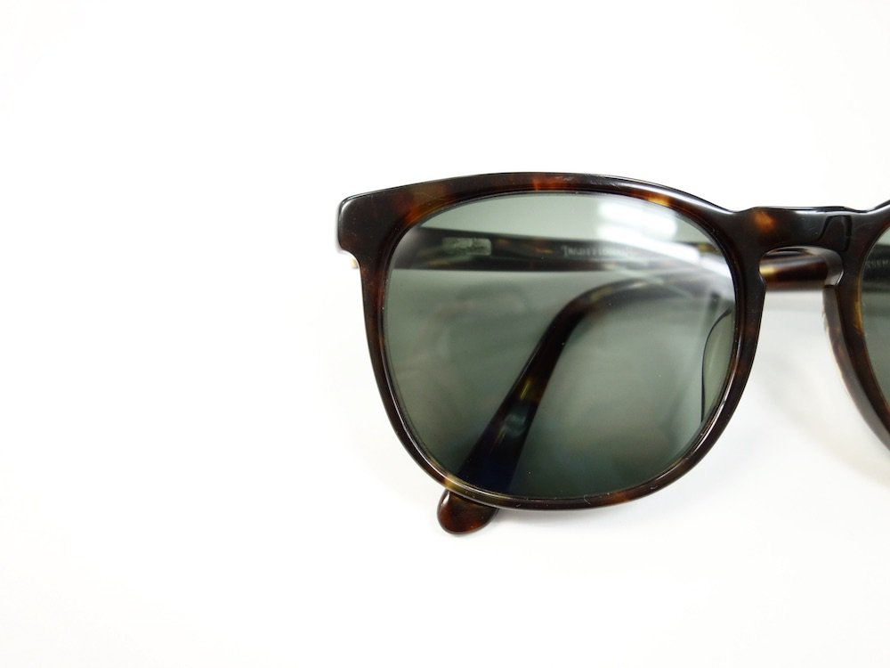 <img class='new_mark_img1' src='https://img.shop-pro.jp/img/new/icons15.gif' style='border:none;display:inline;margin:0px;padding:0px;width:auto;' />VINTAGE RAY-BAN BAUSCH&LOMB社製 TRADITIONALS KISSENA(#12) 54□18 サングラス MADE IN USA USED