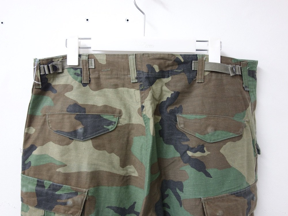 <img class='new_mark_img1' src='https://img.shop-pro.jp/img/new/icons15.gif' style='border:none;display:inline;margin:0px;padding:0px;width:auto;' />VINTAGE  U.S.ARMY M-65 カーゴパンツ USED #1