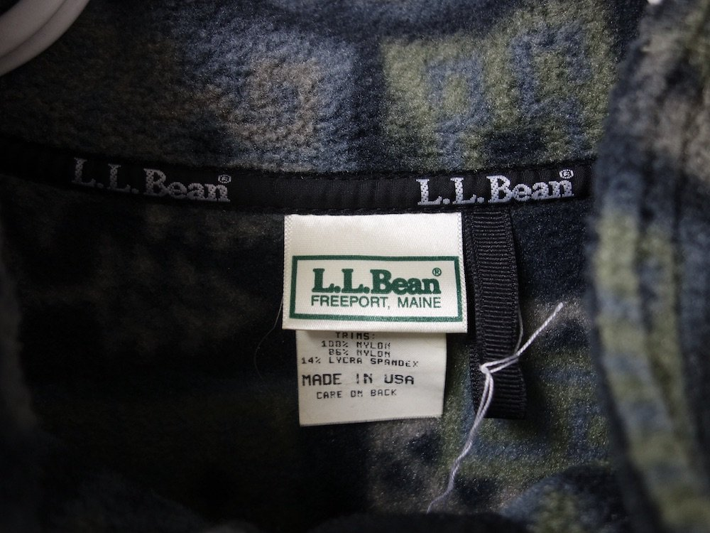 <img class='new_mark_img1' src='https://img.shop-pro.jp/img/new/icons15.gif' style='border:none;display:inline;margin:0px;padding:0px;width:auto;' />VINTAGE 90'S L.L.Bean 総柄 フリースブルゾン MADE IN USA USED