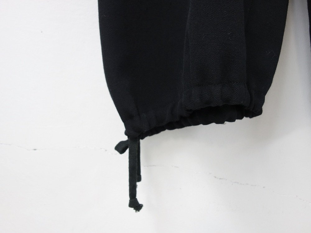 <img class='new_mark_img1' src='https://img.shop-pro.jp/img/new/icons15.gif' style='border:none;display:inline;margin:0px;padding:0px;width:auto;' />robe de chambre  COMME des GARCONS イージーパンツ  AD2002 MADE IN JAPAN USED