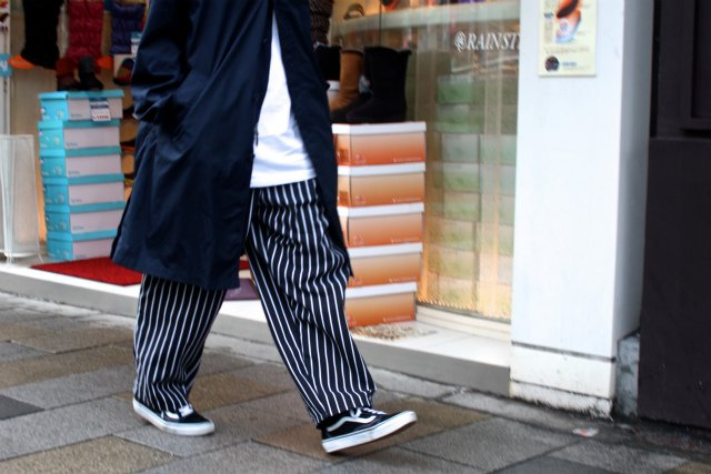 <img class='new_mark_img1' src='https://img.shop-pro.jp/img/new/icons15.gif' style='border:none;display:inline;margin:0px;padding:0px;width:auto;' />CHEF DESIGNS SPUN POLYESTER BAGGY PANT ストライプ柄ワークパンツ
