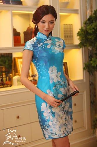 ストレッチ本物シルク_白木蓮×パールボタン×和柄・端麗ななチャイナドレス