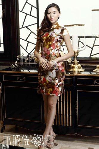 椿柄ストレッチシルク×本物パールボタン・華やかなお出かけチャイナドレス