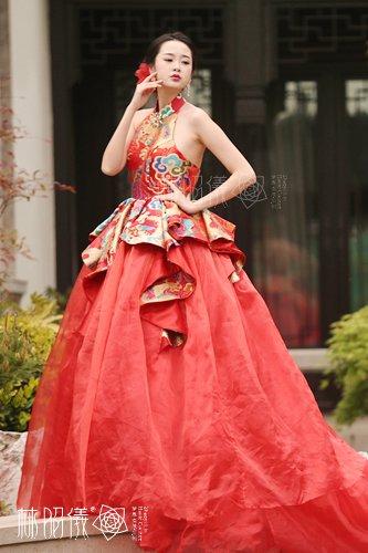 『中国風』豪華な昇龍模様x天然シルク_レッドxアメリカンスリーブxインパクトのあるウェディングドレス