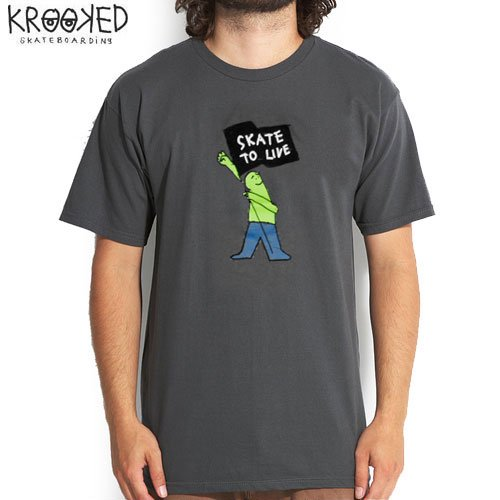 【KROOKED クルックド スケートボード Tシャツ】SKATE TO LIVE TEE【チャコール】NO47