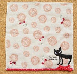 タオルハンカチ【黒猫ジーンと薔薇】ピンク