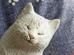 信楽焼きの猫【おすわり白猫】