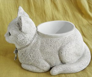 プランター【香箱座りの白猫】