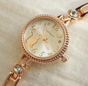 ブレスレットタイプの腕時計【月を見上げる猫 ピンクゴールド】
