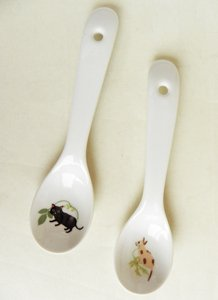 Shinzi Katoh レンゲ2本セット【その1】横向き茶ブチ&とことこ黒猫