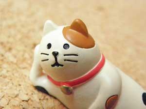 まったり猫の置物【ごろ〜ん三毛猫】