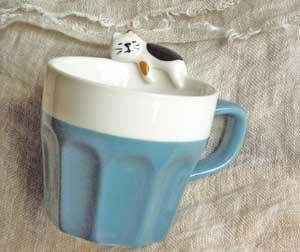 すやすや猫付きマグカップ【三毛猫】