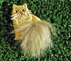 しっぽんぽん猫ブローチ【マットな金色】
