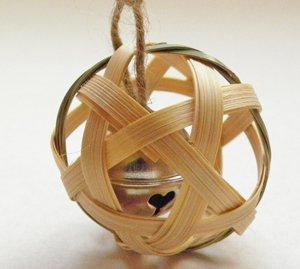 竹製のペット用おもちゃ【りんたま】
