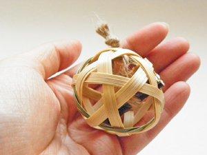 竹製のねこ用おもちゃ【ねこたま】