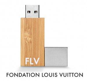 パリ限定!LOUIS VUITTON/ルイヴィトン美術館/USBメモリ16GB/USBフラッシュ/FONDATION LOUIS VUITTON