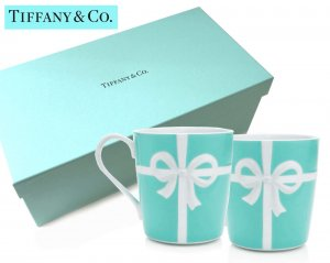 TIFFANY & CO(ティファニー)ティファニーブルー リボンマグカップ2個セット/食器/紙袋付き<img class='new_mark_img2' src='https://img.shop-pro.jp/img/new/icons5.gif' style='border:none;display:inline;margin:0px;padding:0px;width:auto;' />