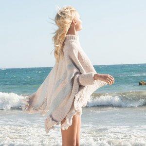 ベアフットドリームス(Barefoot Dreams)フリンジ付きビーチポンチョ/Cozychic Beach Poncho(ストーン×オーシャン)<img class='new_mark_img2' src='https://img.shop-pro.jp/img/new/icons16.gif' style='border:none;display:inline;margin:0px;padding:0px;width:auto;' />