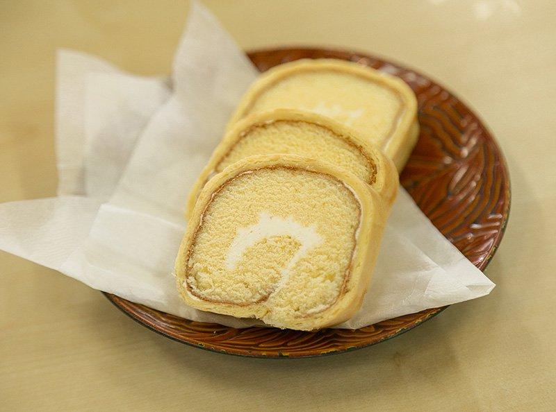 ロールケーキ「シュロー」 ハーフサイズの写真