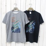 SOUTH2 WEST8『Crew Neck Tee-Fish Upstream』