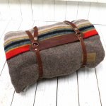 PENDLETON『Camp Blankets with Leather Carrier』(Mineral Umber)