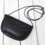 Kaptain Sunshine『Round Pouch Made by PORTER』(Black)
