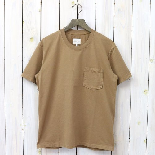 CURLY『HELICAL POCKET SS TEE』(CAMEL)