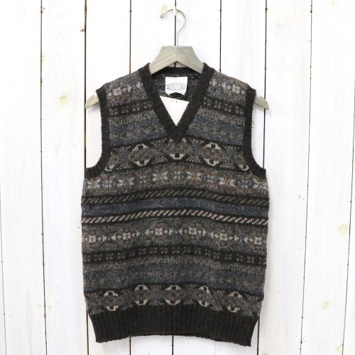 Jamieson's『ALL OVER FAIRISLE V-NECK VEST』(DK. BROWN)