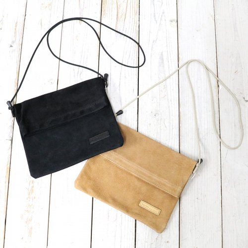 hobo『Water Resistant Pig Leather Sacoche』