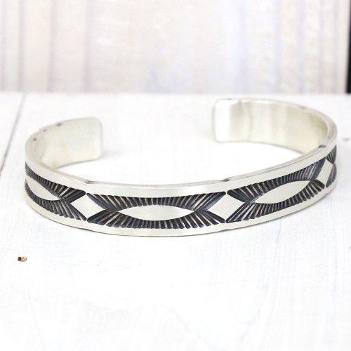 Jerald Tahe『Navajo Silver Bracelet by Kyeele』(A)