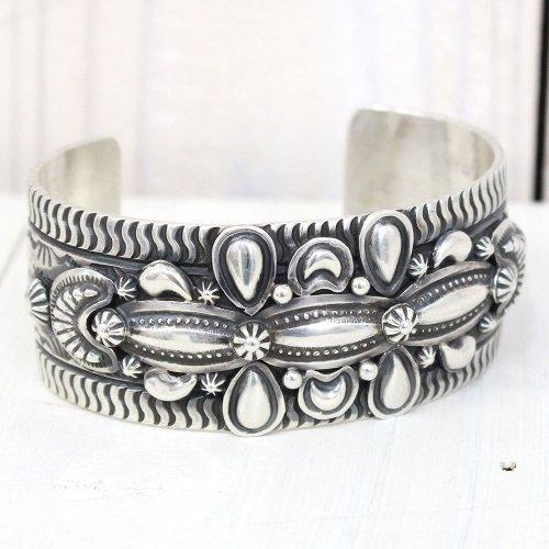 Darry Becenti『Navajo Silver Bracelet by Kyeele』