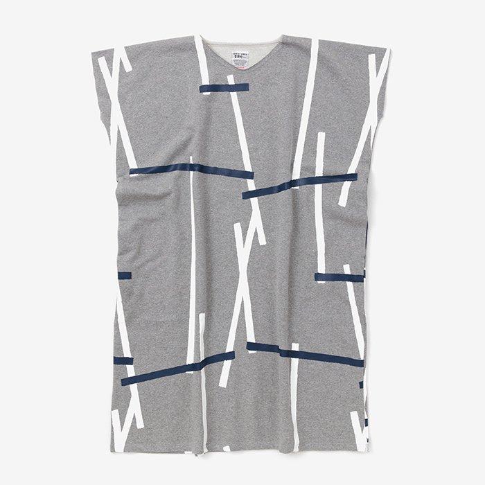 裏毛 長方形衣(うらけ ちょうほうけい)/鳶 杢灰(とび もくはい)
