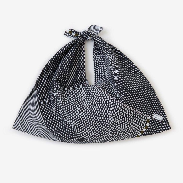 伊勢木綿 小巾折/間がさね(まがさね) 墨黒に苔