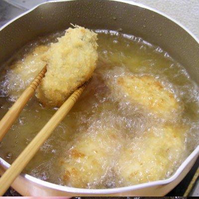 《極鮮王》冷凍カキフライ大粒10粒×2袋 化粧箱入 のイメージ写真2