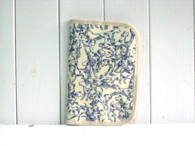 ハンドメイド 母子手帳ケース bow wow ホワイト PVC M
