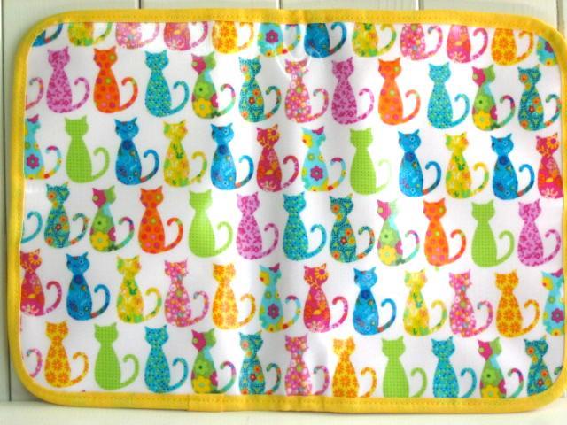 母子手帳ケース カラフルキャット ホワイト PVC L