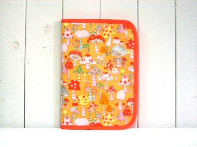 母子手帳ケース マッシュルーム オレンジ PVC L